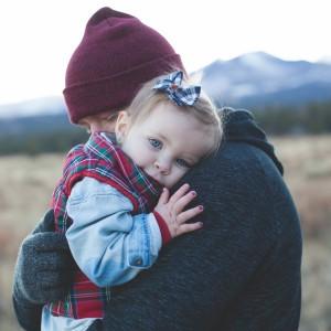 Waarom je je kind altijd moet blijven knuffelen