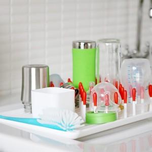 Waarop moet je letten als je je babyflesjes reinigt?