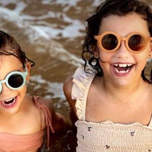 Een kinderzonnebril kopen: waarop moet je letten?