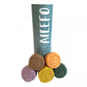 Ailefo Organische Speelklei 5 kleuren: Donkergroen, Lichtgroen, Paars, Bruin en Oranje (5x100g)