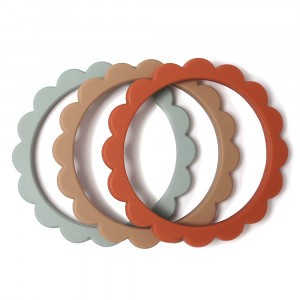 Mushie Bijtring Flower Bracelet (3-pack) Cambridge Blue/Clementine/Natural