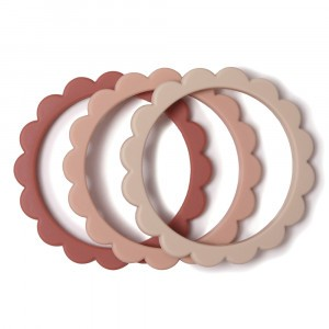 Mushie Bijtring Flower Bracelet (3-pack) Rose/Blush/Shifting Sand