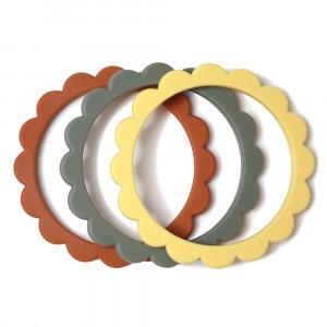 Mushie Bijtring Flower Bracelet (3-pack) Sunshine/Dried Thyme/Clay