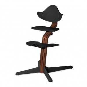 Nomi Highchair Black / Oiled Walnut